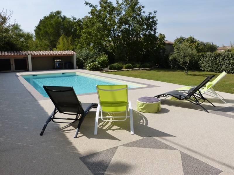 rev tement de terrasses et plages de piscine sur avignon. Black Bedroom Furniture Sets. Home Design Ideas